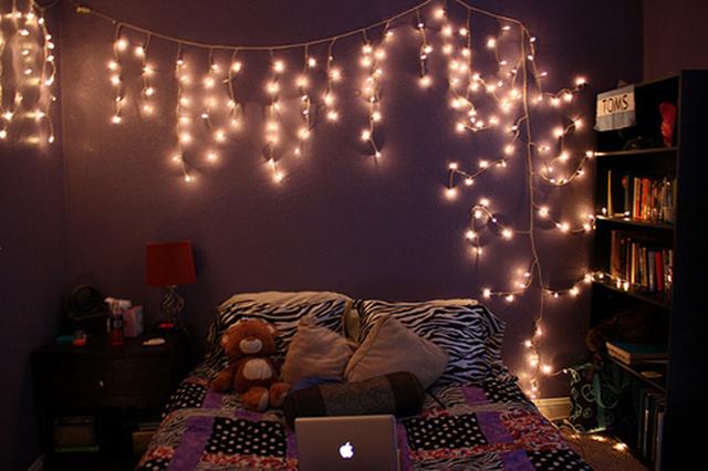 decoração: quarto com luzes